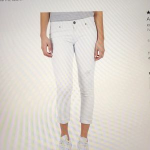 Kut from the Kloth- Amy Distressed Crops NWT 14
